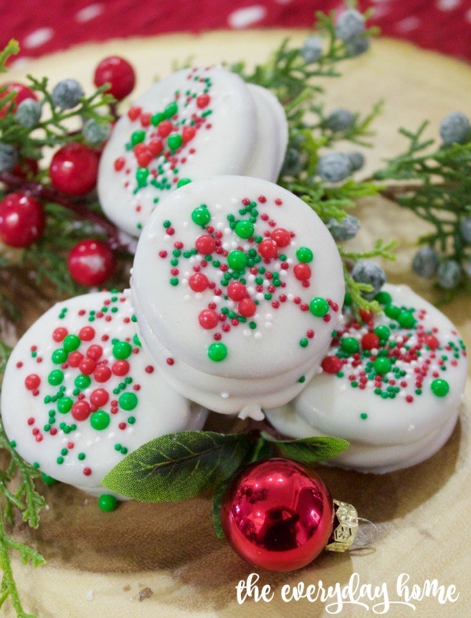 White Chocolate Oreos with Christmas Sprinkles | 2015 Christmas Cookie Exchange | The Everyday Home | www.everydayhomeblog.com