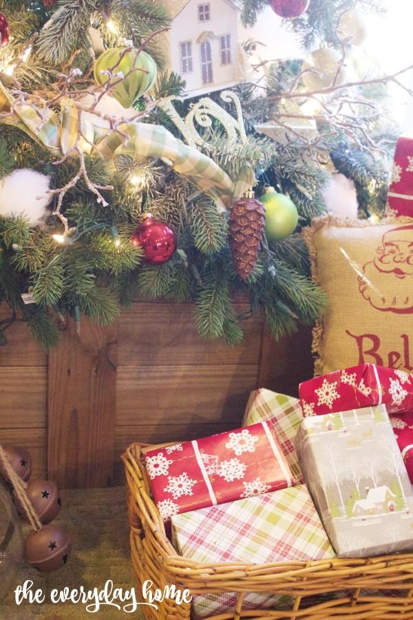 Wood Box Tree Stand | 2015 Christmas Home Tour | The Everyday Home | www.everydayhomeblog.com