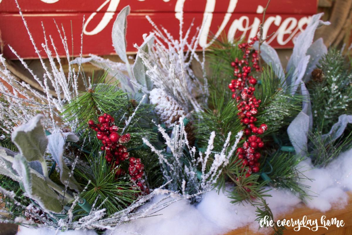 Wooden Box Christmas Arrangement   2015 Christmas Home Tour   The Everyday Home   www.everydayhomeblog.com