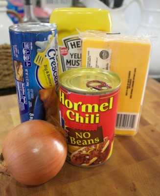 Chili Cheese Dogs Ingredients | The Everyday Home