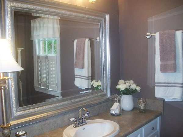 Guest Bathroom Painted in Wet Concrete by BM