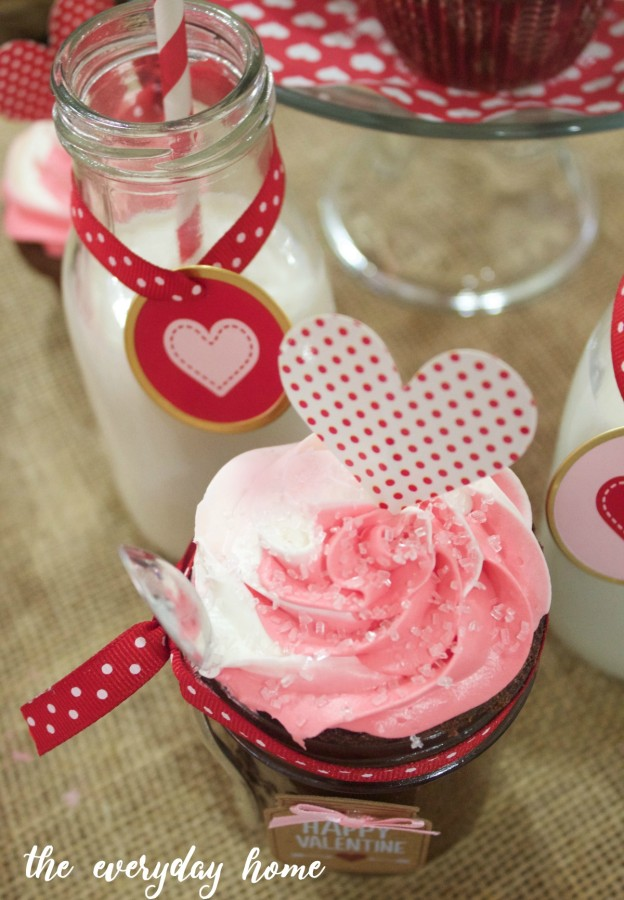 Valentine Cupcakes | The Everyday Home | www.everydayhomeblog.com