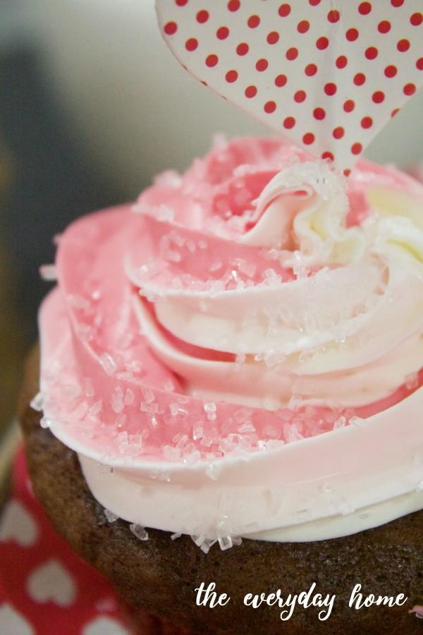 Valentine's Day Cupcakes | The Everyday Home Blog | www.everydayhomeblog.com