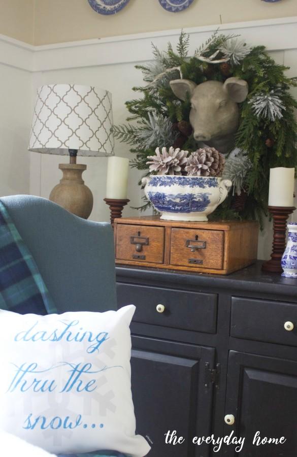 Winter Breakfast Room | The Everyday Home | www.everydayhomeblog.com