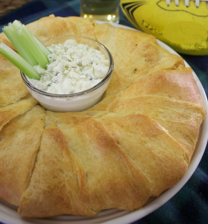 Buffalo Chicken Crescent Ring Recipe | The Everyday Home Blog