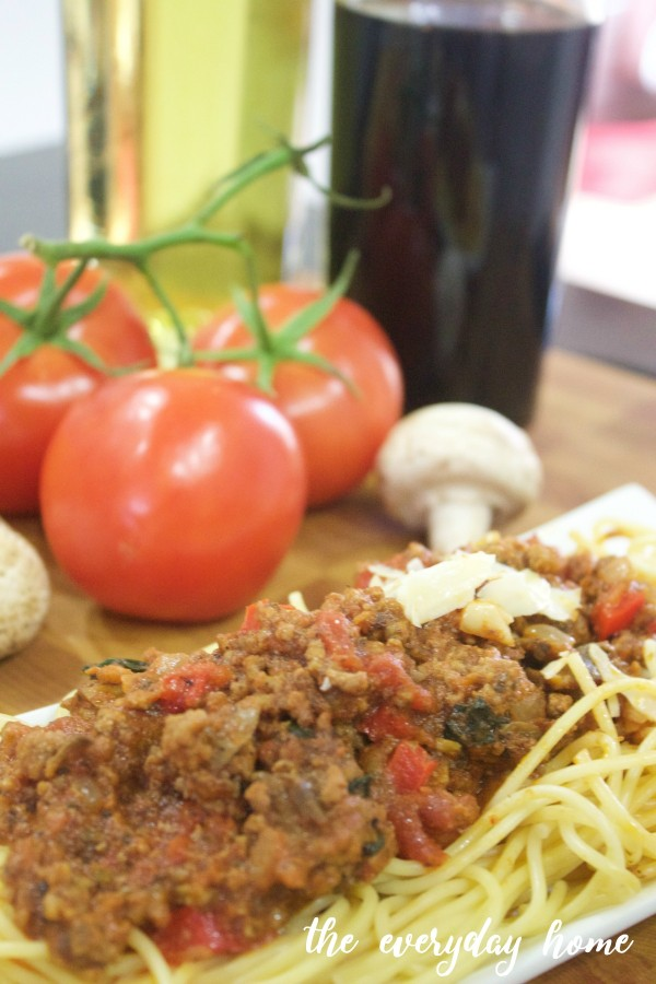 Spaghetti Sauce Recipe | The Everyday Home | www.everydayhomeblog.com