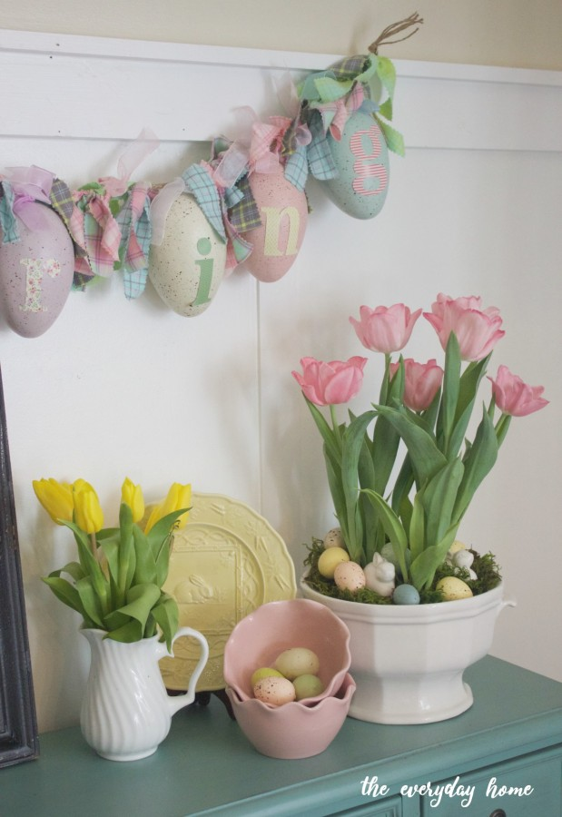 Spring Tulip Vignette | The Everyday Home