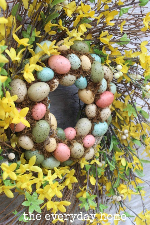 Easy DIY Egg Wreath | The Everyday Home | www.everydayhome.com