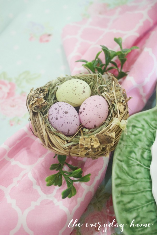 Easter Bird Nest Napkin Rings | The Everyday Home | www.everydayhomeblog.com