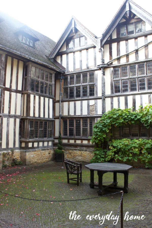 Hever Castle Courtyard | The Everyday Home