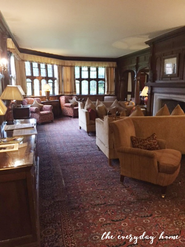 Hever Castle Inn | Library | The Everyday Home