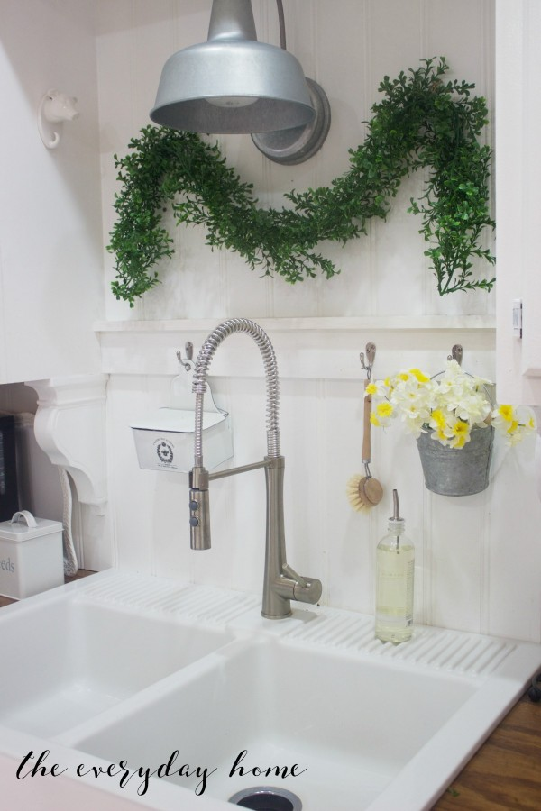 Spring Kitchen Tour | Farmhouse Sink | The Everyday Home