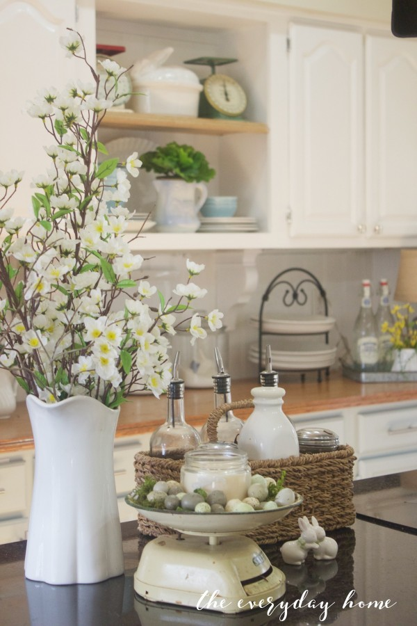 Spring Kitchen Tour | Spring Flowers | The Everyday Home