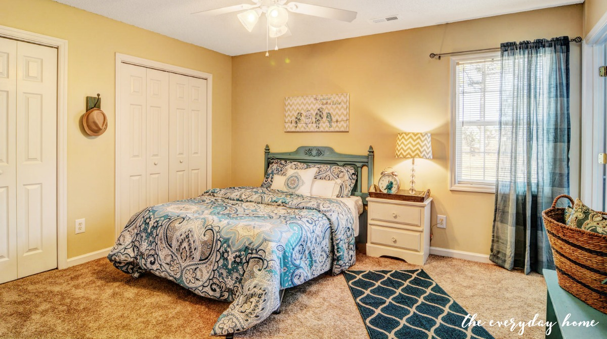 fixer upper bedrooms with carpet before and after fixer the everyday home 990