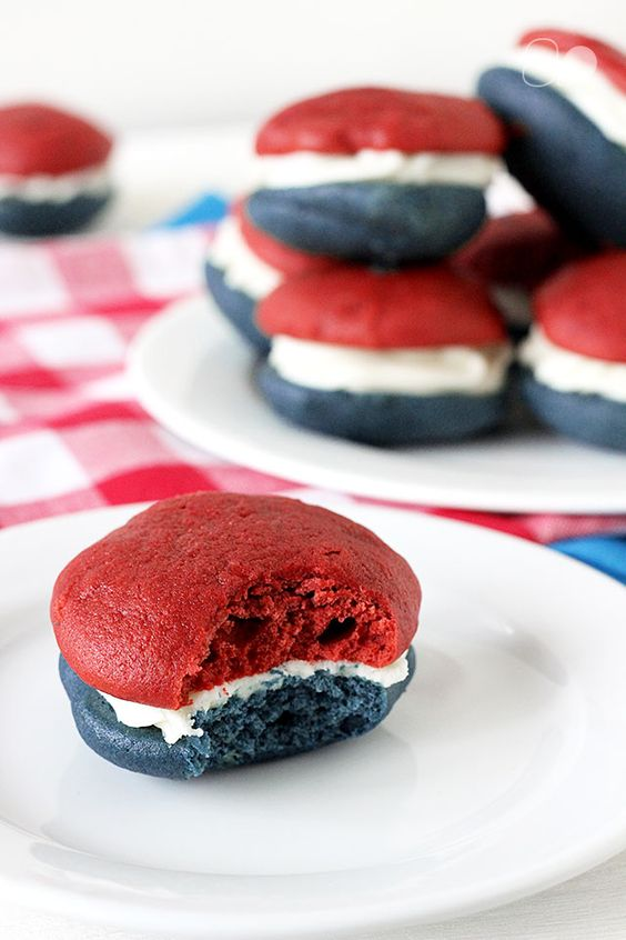 Red White & Blue Whoopie Pies | The Everyday Home