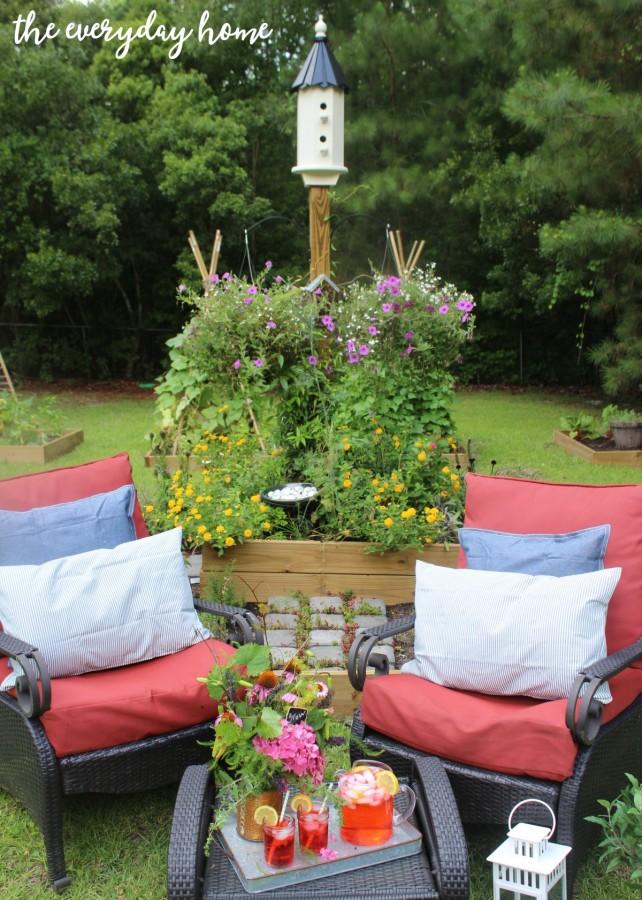 Drinks in the Garden | The Everyday Home | everydayhomeblog.com