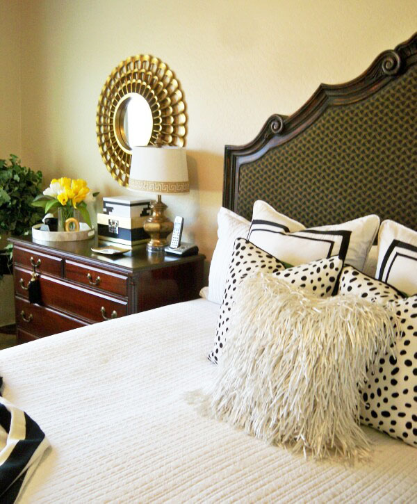 Share It One More Time Inspiration Party #44 A Crisp Black and White Summer Bedroom by A Stroll Thru Life | One More Time Events www.onemoretimeevents.com