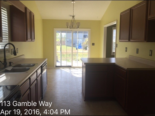 113 Gamble Way Kitchen Before 2