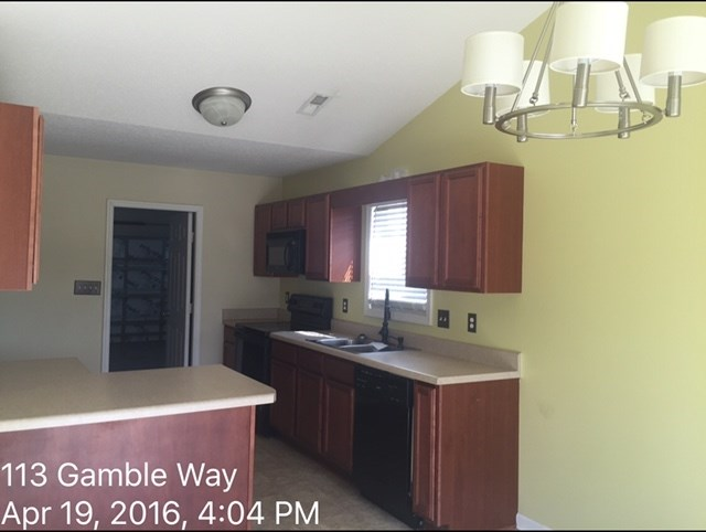 113 Gamble Way Kitchen Before 3