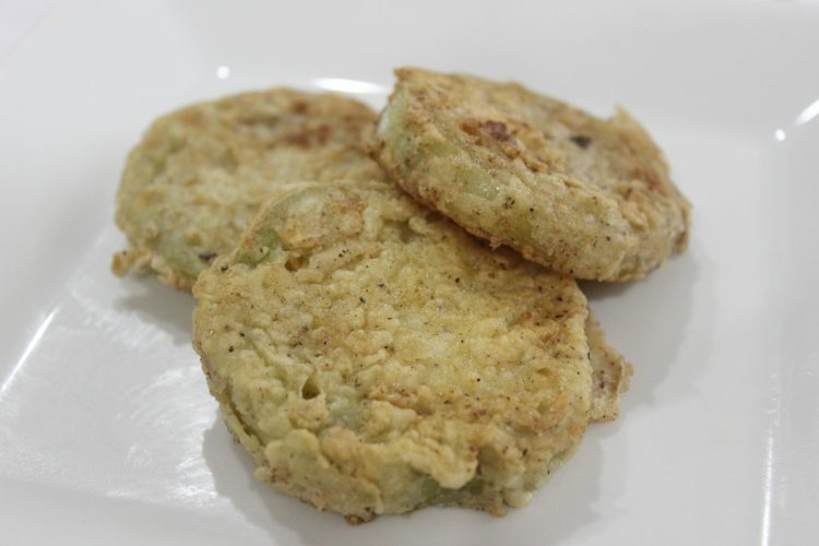 Golden Fried Green Tomatoes | The Everyday Home