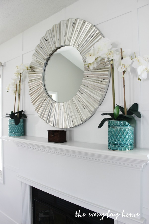 How to Create a White Accent Wall | The Everyday Home | www.everydayhomeblog.com