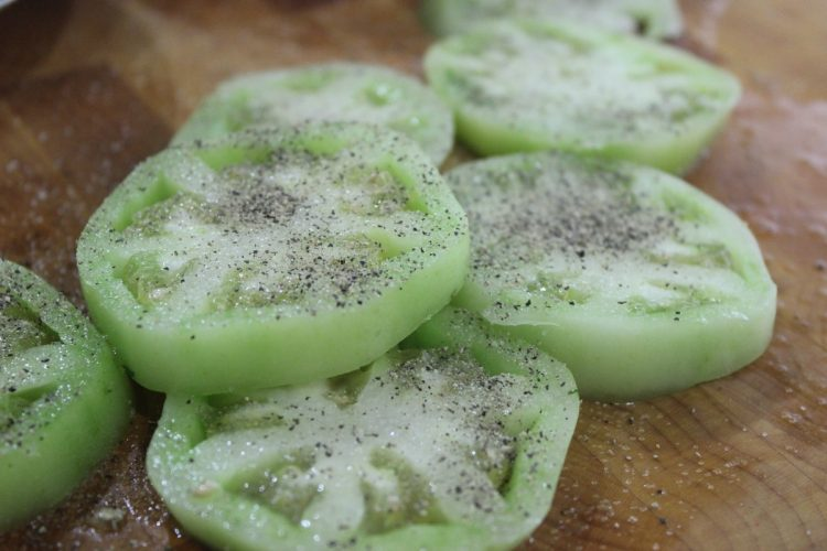 Seasoned Green Tomato Slices | The Everyday Home