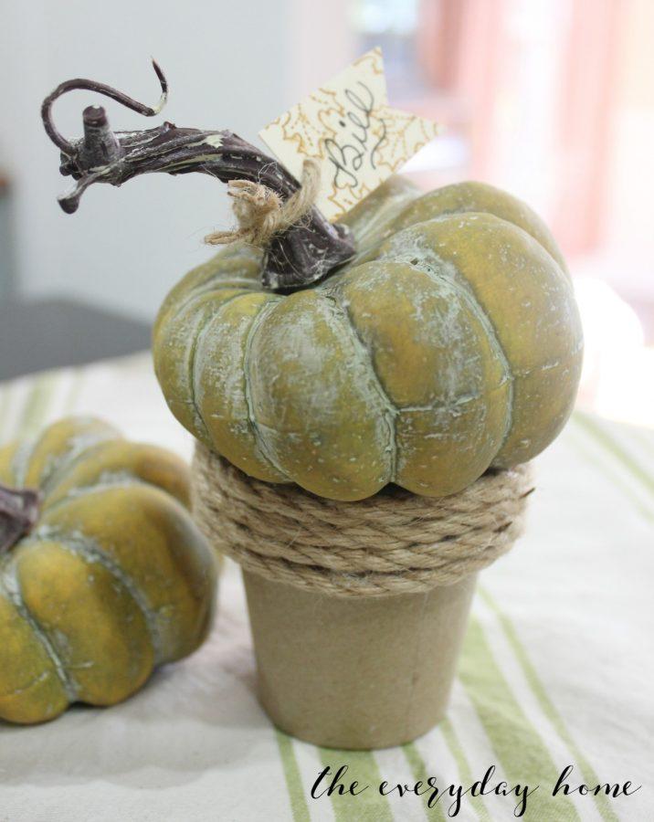 5-Min Pumpkin Pot Placecard | The Everyday Home | www.everydayhomeblog.com