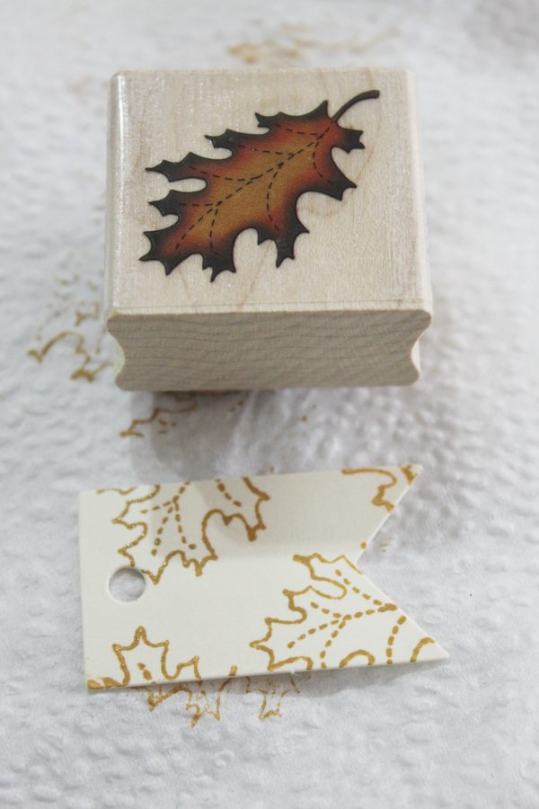 Stamping Fall Leaves | The Everyday Home | www.everydayhomeblog.com