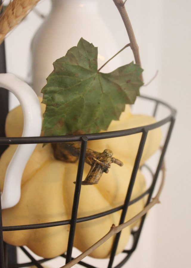 Adding Grapevine to a Fall Tiered Stand | The Everyday Home | www.everydayhomeblog.com