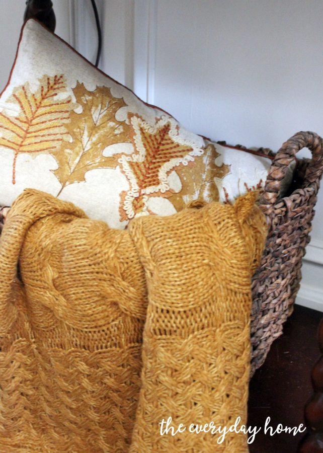 basket-with-fall-throw-and-pillow