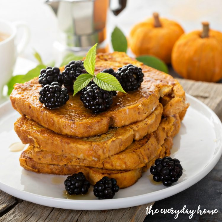 Easy-Pumpkin-French-Toast | The Everyday Home | www.everydayhomeblog.com