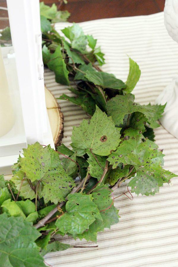 Making-a-Fresh-Grapevine-Wreath | The Everyday Home | www.everydayhomeblog.com