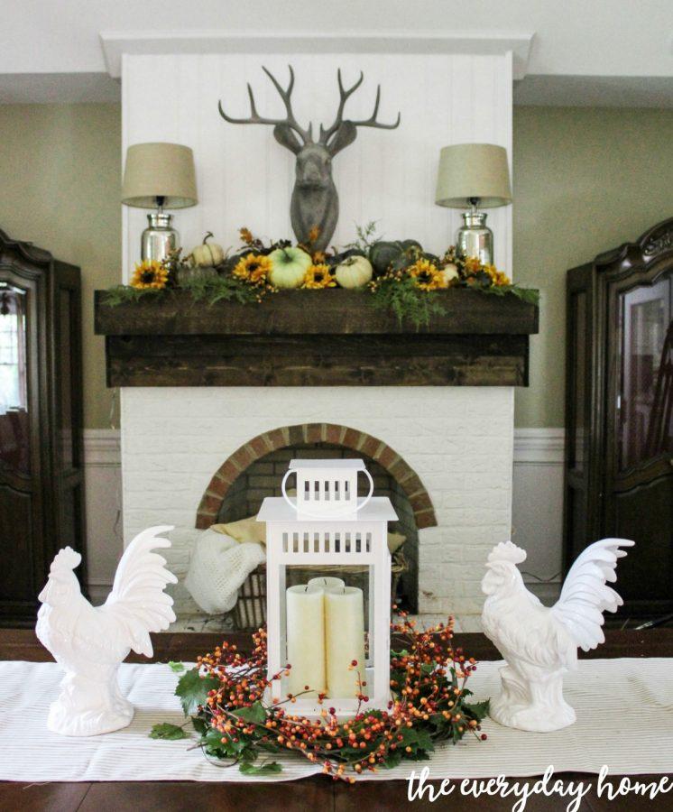 A-Lantern-and-Berry-Centerpiece | The Everyday Home | www.everydayhomeblog.com