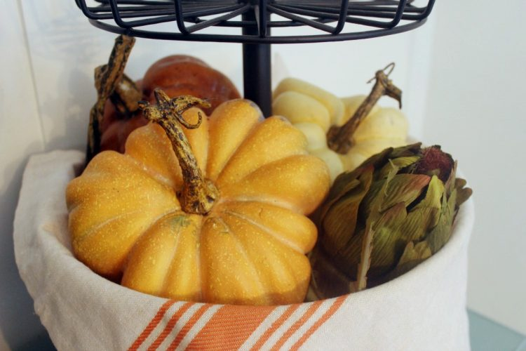 Tiered Metal Stand with Pumpkins | The Everyday Home | www.everydayhomeblog.com