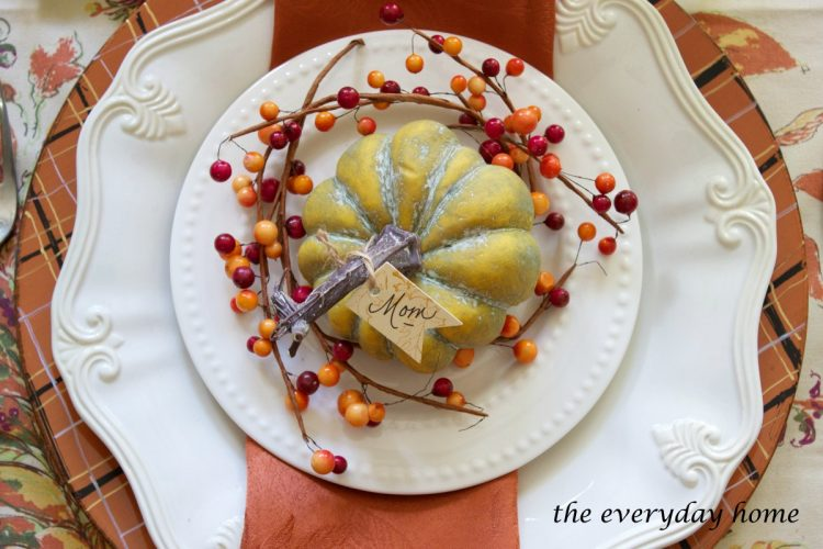 create-your-own-plaid-fall-chargers | The Everyday Home | www.everydayhomeblog.com