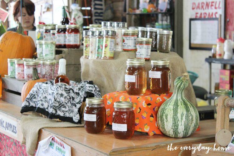 farm-stand-jams | The Everyday Home | www.everydayhomeblog.com