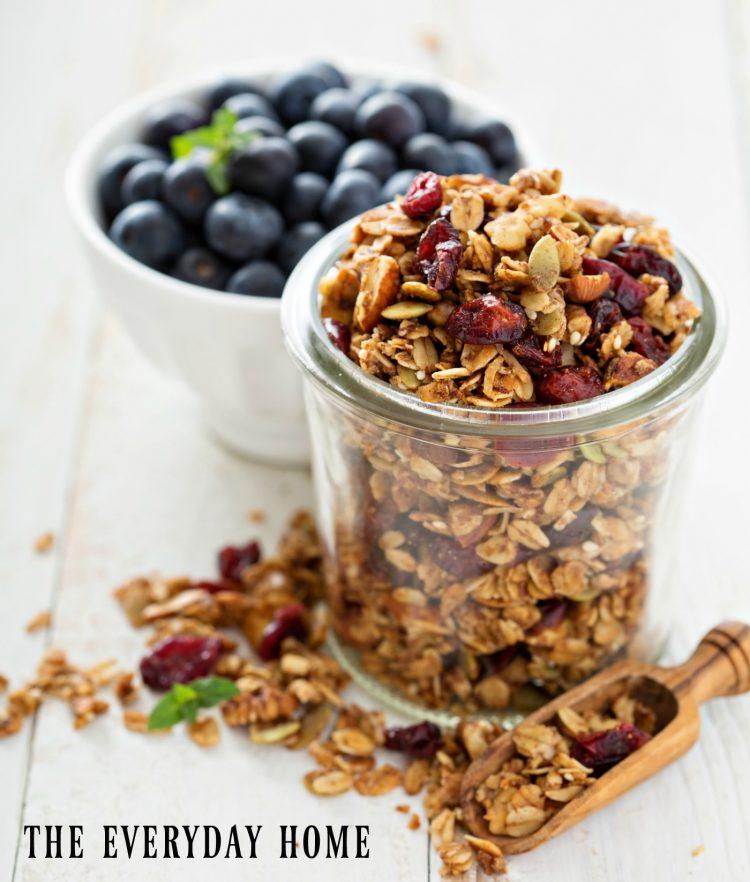 make-your-own-homemade-granola | The Everyday Home | www.everydayhomeblog.com