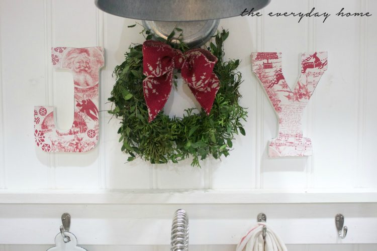 how-to-make-christmas-joy-letters | The Everyday Home | www.everydayhomeblog.com