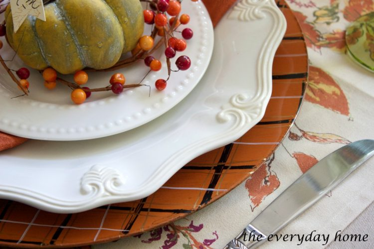 how-to-make-fall-plaid-chargers | The Everyday Home | www.everydayhomeblog.com