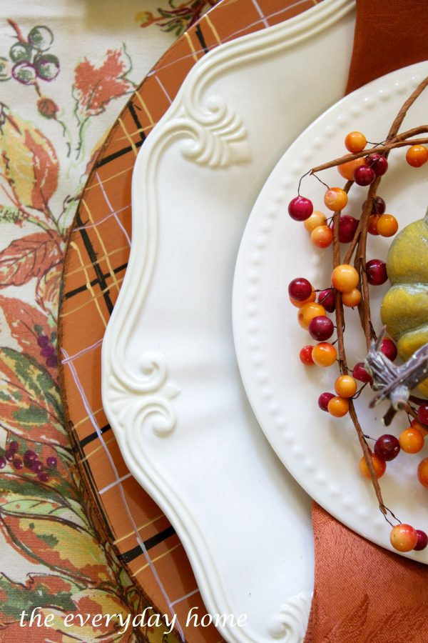 make-your-own-plaid-fall-chargers | The Everyday Home | www.everydayhomeblog.com