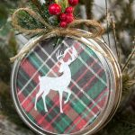 DIY Mason Jar Lid Christmas Ornament