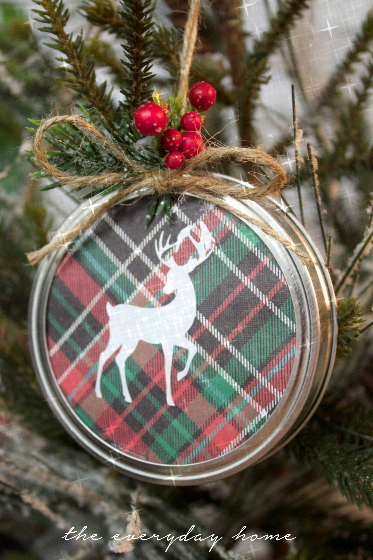 Diy mason jar lid christmas ornament the everyday home Christmas tree ornaments ideas