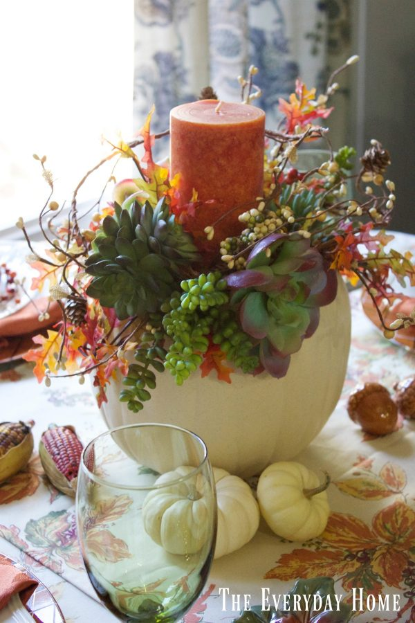 pumpkins-and-succulents-fall-centerpiece | The Everyday Home | www.everydayhomeblog.com