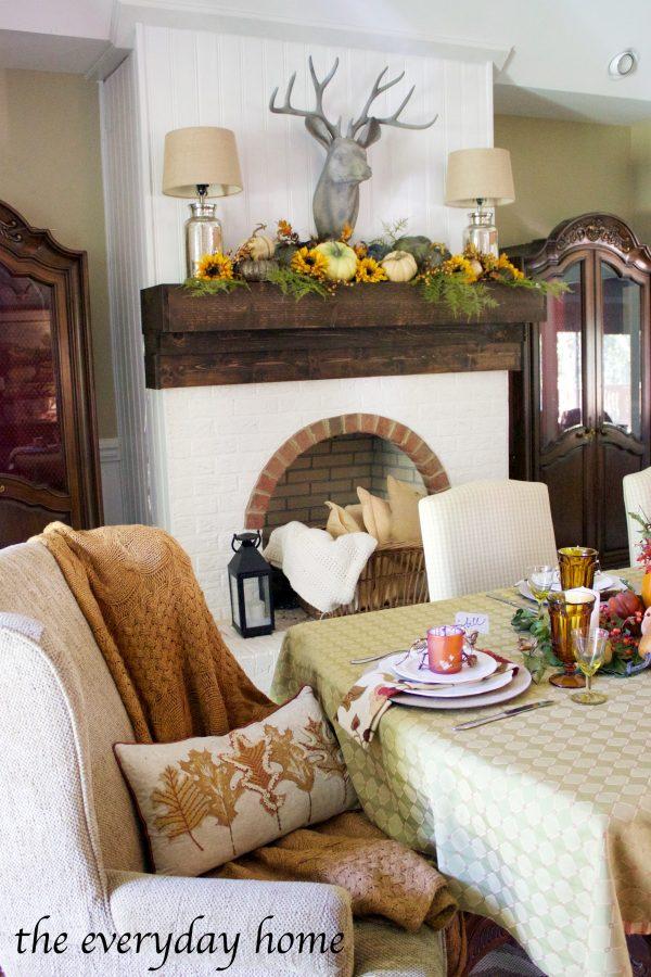 rustic-fall-tablescape | The Everyday Home | www.everydayhomeblog.com