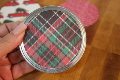 scarpbook-paper-circle-added-to-mason-jar-lid-for-christmas-ornament | The Everyday Home | www.everydayhomeblog.com