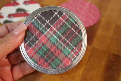 scarpbook-paper-circle-added-to-mason-jar-lid-for-christmas-ornament | The Everyday Home | www.everydayhomeblog.com