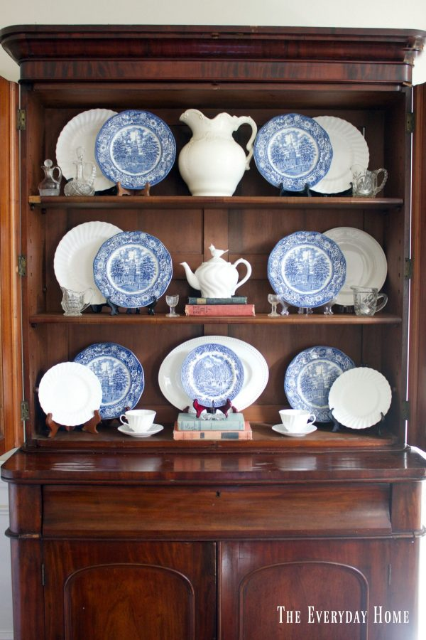 displaying-blue-and-white-dishes-in-an-english-hutch | The Everyday Home | www.everydayhomeblog.com