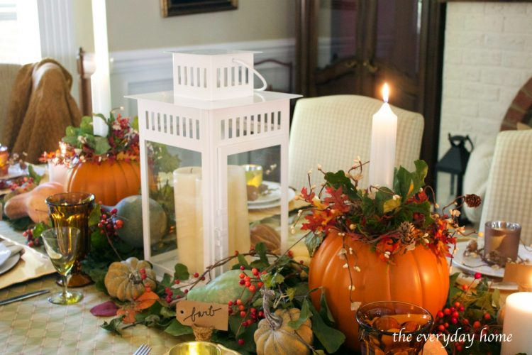 rustic-and-elegant-centerpiece-on-a-fall-tablescape | The Everyday Home | www.everydayhomeblog.com