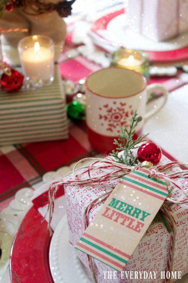 creating-a-santa-christmas-tablescape