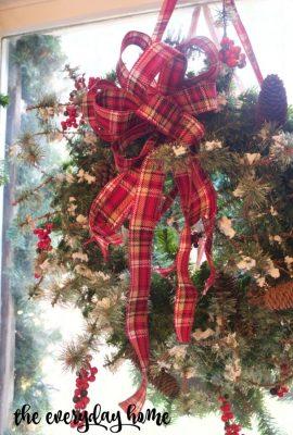 An Easy 3-Step Christmas Wreath